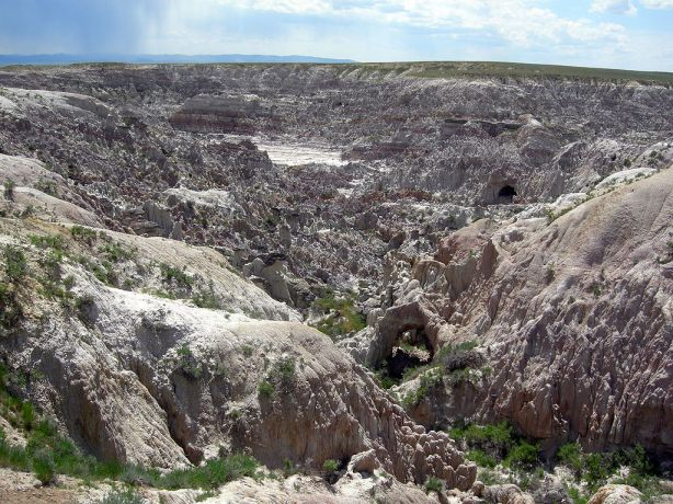 The badlands of Hell's Half-Acre in Natrona County, Wyoming. In The Starship Troopers film, this is where they filmed the Klendathu scenes. Photo by Mark A. Wilson (Department of Geology, The College of Wooster)